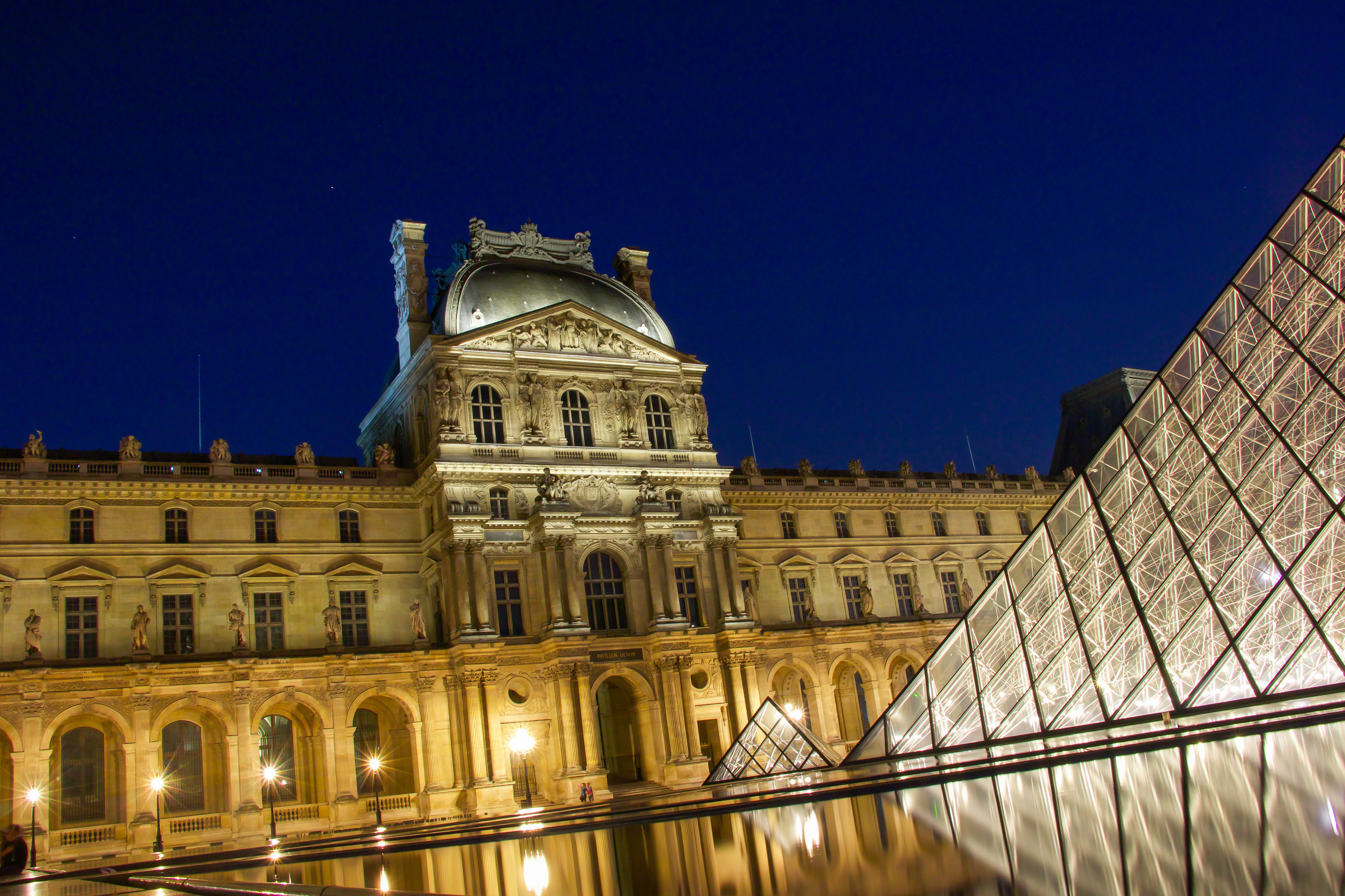 louvre night (1 of 1)