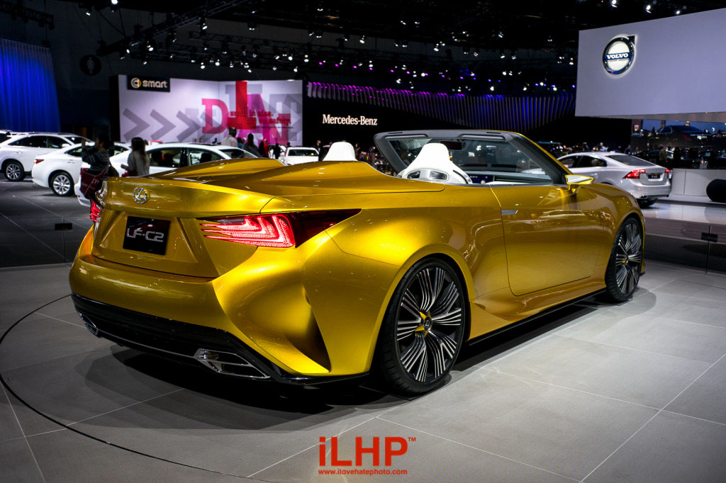 If Transformers were real, they would come in this Lexus LF-C2.