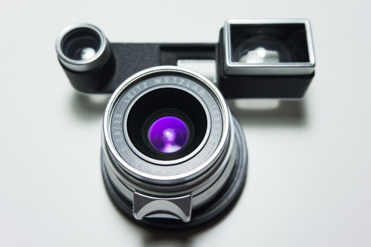 leica-summaron-f2.8-with-googles